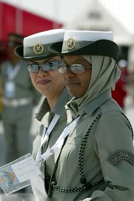 Military_Women_04
