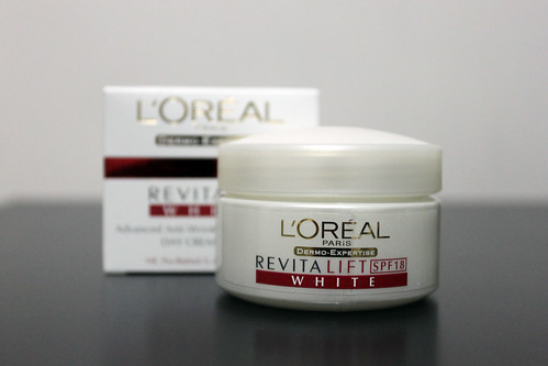 L'Oreal Revitalift Day Cream SPF 18