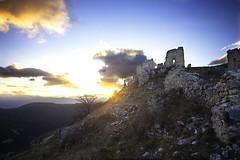 rocca calascio (evergreenpics) Tags: film georgeclooney castelli abruzzo ladyhawke theamerican roccacalascio ilnomedellarosa