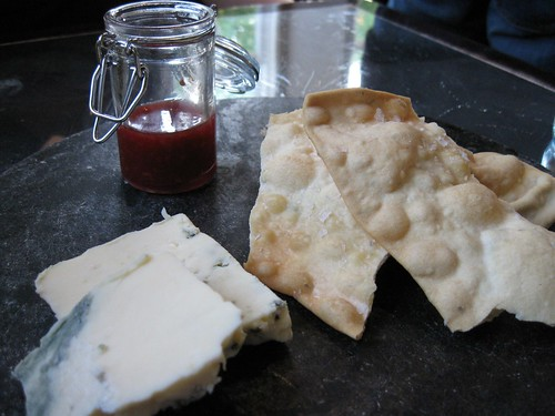 Rogue Creamery's Caveman Blue with raspberry-vanilla jam beer flatbread