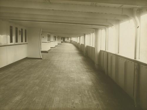 Mauretania - Promenade deck