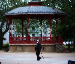 paseando mi soledad.. (Angeles Mora) Tags: galiza ourense 2011 tecendoredes angelesmora 09042011