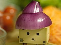 Salad Days.. (.OhSoBoHo) Tags: red orange toy robot amazon purple jp co japanesetoy danbo saladdays danboard littlecardboardrobot onionhat