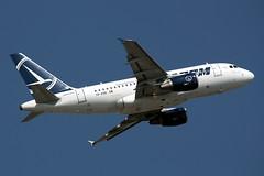 Airbus A318-100 TAROM (Schiefi) Tags: am frankfurt main airbus marc msn fra frankfurtmain fraport spotter eddf tarom 2955 a318100 yrasb schieferdecker