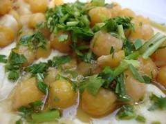 Humus Gargirim (Sharon G.) Tags: humus chickpeas חומוס אבואדהם