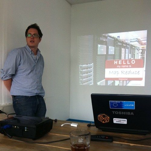 @bedatadriven presenting on MapReduce at /dev/Haag