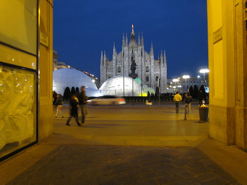 Design pavilion in front of the Duomo