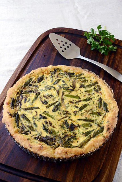 asparagus & red onion tart