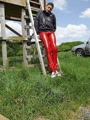 IMGP0517 (Karhu1) Tags: snow shiny suit glossy sweat nylon spandex sauna rainwear pvc leggings snowsuit overall