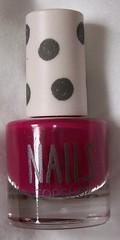topshop paint it on nail varnish 1
