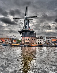 "Molen de Adriaan • <a style=""font-size:0.8em;"" href=""http://www.flickr.com/photos/45090765@N05/5737455276/"" target=""_blank"">View on Flickr</a>"
