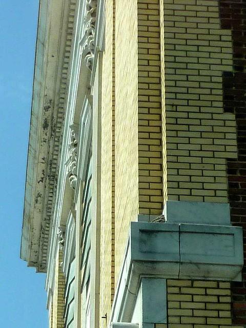 P1110074-2011-05-20-Dill-Ave-at-Metropolitan-Capitol-View-Masonic-Lodge-cornice-detail