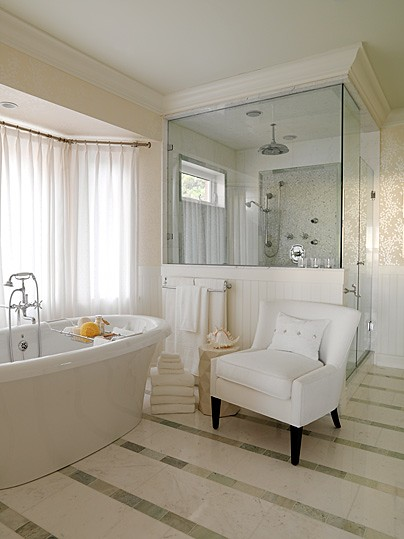 west-coast-classic-master-bathroom-image1