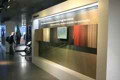 Übersicht Sitzstoffe - BMW Welt München