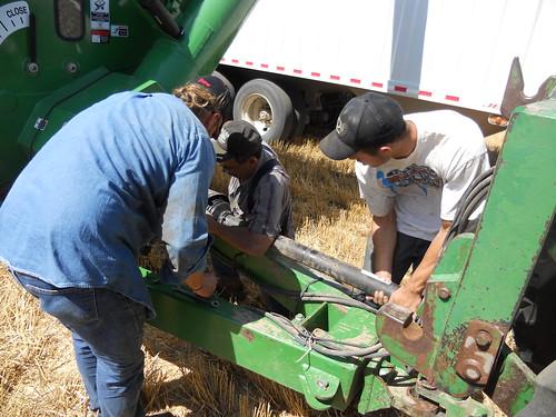 Fixing graincart