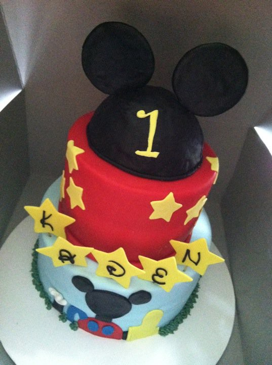 Kaden's Mickey Mouse clubhouse cake!!!