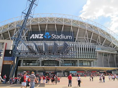 Football crowd entering ANZ Stadium (Gavin Anderson) Tags: sydney essendon 3411 anzstadium closematch footyweekend