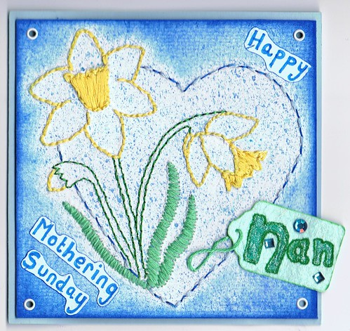 Daffodil Heart Mothering Sunday Card