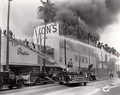 Jan 31,1960 Van Nuys Market Fire. Photo by Frank D. Manwarren