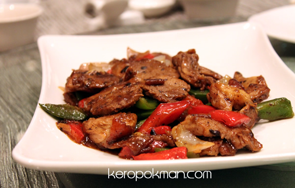 Duck Meat stir fried with Pepper Sauce