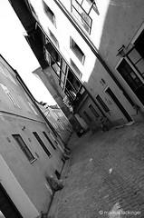 Salzburg Steingasse (jazzfoto.at) Tags: blackandwhite salzburg blancoynegro austria blackwhite sony sw schwarzweiss bianconero biancoenero autriche noirblanc salisburgo österrike salzburgo salzburgaustria avusturya salzbourg австрия áustria austriasalzburg sonyalpha salzburgaltstadt salzburgoaustria 萨尔斯堡 sonyalpha55 salzburgsteingasse salisburgoaustria salzbourgautriche salzburgoáustria austriasalzburgo autrichesalzbourg austriasalisburgo áustriasalzburgo