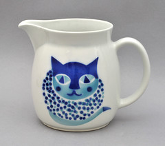 Jug by Arabia, with Cat (robmcrorie) Tags: modern century cat finland ceramic design pot 1950s arabia jug pottery mid mcm