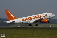 G-EZIT - 2538 - Easyjet - Airbus A319-111 - Luton - 110328 - Steven Gray - IMG_3199