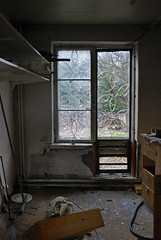 (Sameli) Tags: old building abandoned window bar suomi finland room 1952