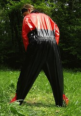 IMGP0489 (Karhu1) Tags: snow shiny suit glossy sweat nylon spandex sauna rainwear pvc leggings snowsuit overall