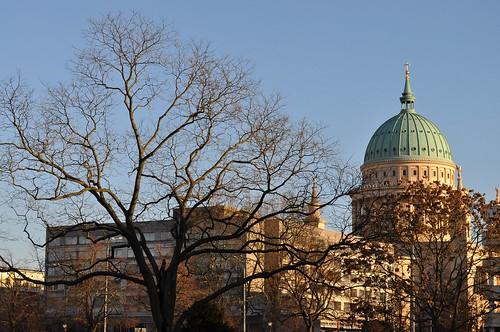 Potsdam: Nikolai Kirche vom Platz der Einheit