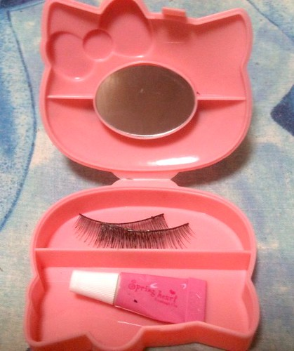 Hello Kitty & S Cawaii eyelash case by KitaRei