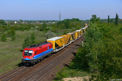 1116 045-6, 07.05.2011, Tata (Spagiboy) Tags: railroad color colors forest train landscape hungary tata siemens rail railway cargo locomotive taurus gartner lokomotive magyarorszg rch vonat tehervonat vast mozdony teher ringexcellence
