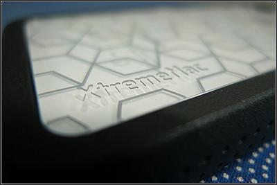 iPhoneのケースはXtremeMacのマイクロシールドシリーズ「タトゥー」にした