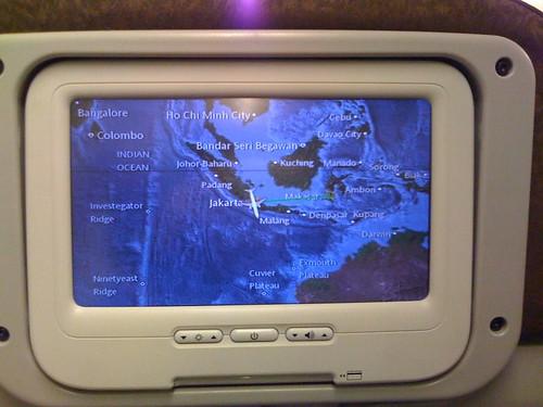 Foto Dalam Pesawat Garuda Map di Dalam Pesawat Garuda