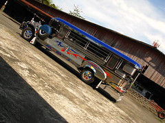 2011-05-11, SaraoCraft Wednesday 103 (saraocraft) Tags: philippines arts culture local pinoy jeepney laspinas philippinejeepney saraocraft saraojeepney saraomotorsinc saraojeep saraocompound