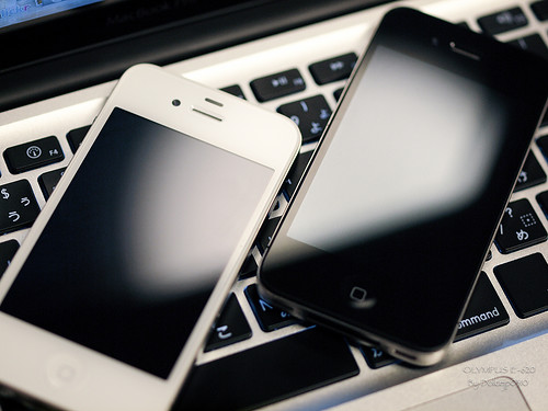 iPhone4 黑白雙煞