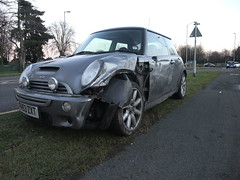 New Mini Mashed (stevenbrandist) Tags: grey smash accident roundabout mini damage grind crease bump loughborough mash rta newmini fh53zxt