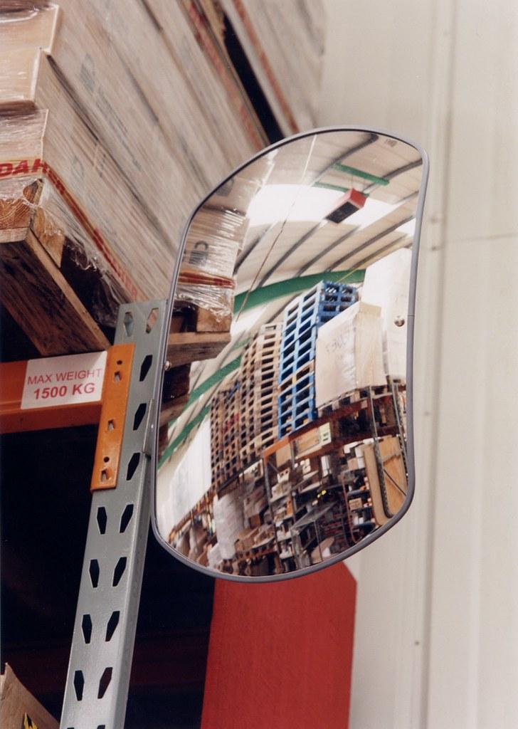Convex Mirrors-Interior Convex Mirror 600mm x 400mm rectangular Acrylic
