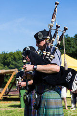 Bag pipe band (mvj photography) Tags: belgique belgium wallonie scottishdays waterloo musicien musician bagpipe people personnes person portrait