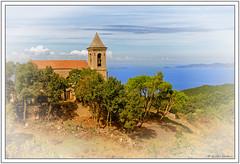 Eglise au-dessus de la baie (GilDays) Tags: france corse corsica baiedajaccio nikon nikond810 d810 cor2016 mer sea blue bleu vert green eglise church clocher churchtower cloche bell eau water cotichiavari