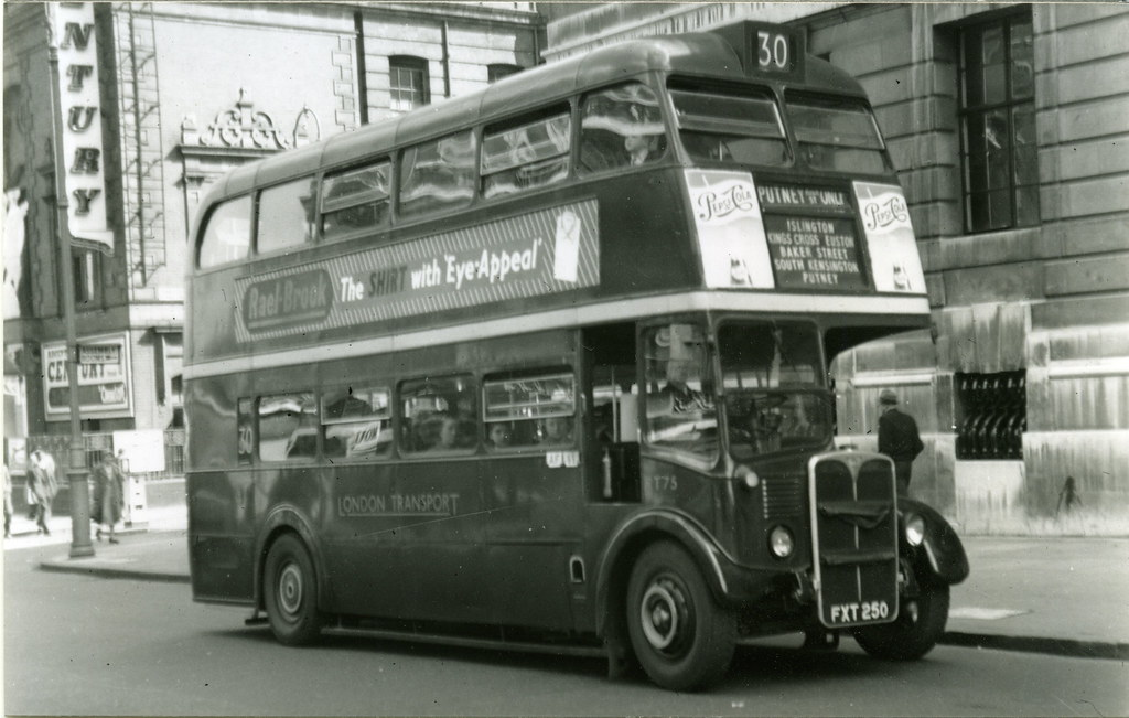 164-King's Cross, Euston Road in the 1950's