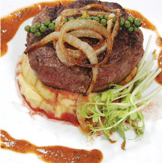 Filet-Pepper-Steak,-Charcoa House