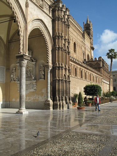 Palermo. Cattedrale. Fianco