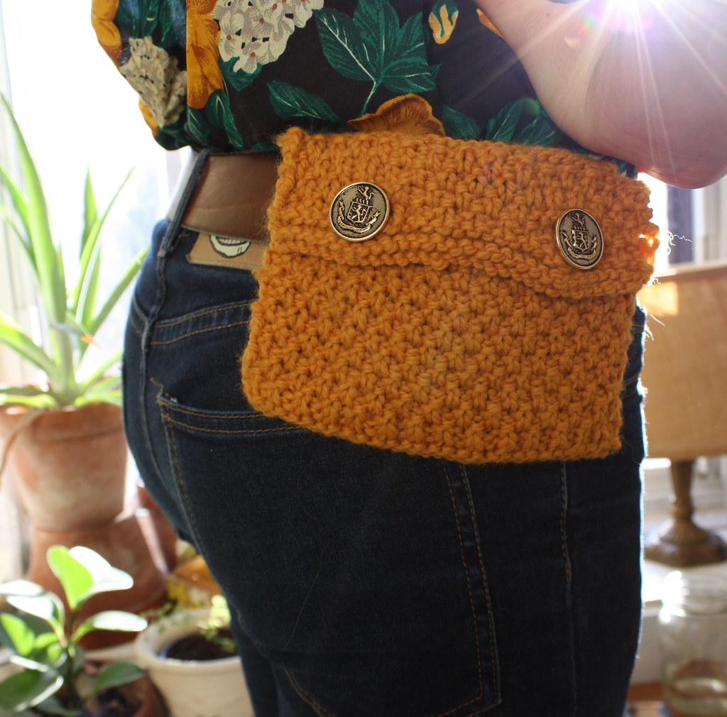 08a631c9237926 knit fanny pack in mustard (Westlake Designs) Tags: wool vintage belt hand  buttons