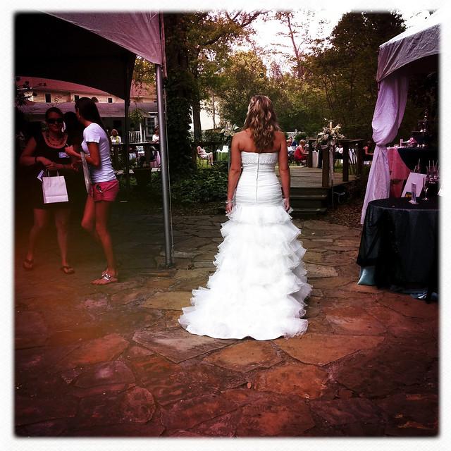 032711 Magnolia Manor Bridal Show-17