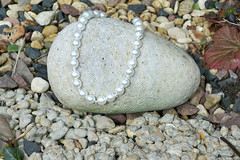 *  WHITE Faux Pearl Bracelet - Clear Glass Beaded And Faux Pearl