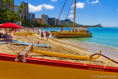 The Famous Waikiki Beach, Honolulu, Hawaii (T. Le Thang) Tags: voyage city travel usa tourism beach landscape boats hawaii waikiki famous pacificocean catamaran diamondhead honolulu paysage plage tourisme océanpacifique