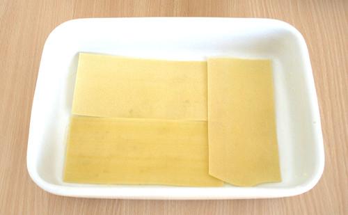 30 - Mit Lasagneplatten belegen