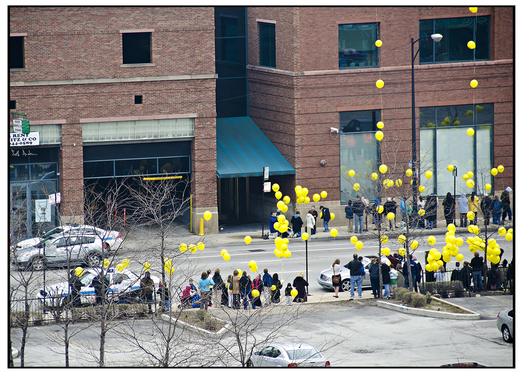 Yellow Ballon Protest at Family Planning Clinic