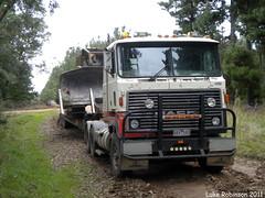 loading the 8 (LukeRobinson1) Tags: cat truck cab low over australia bull bulldog size rake d8 dozer dolly loader mack ripping bulldozer coe trucking caterpiller rakes 8k d8k ultraliner